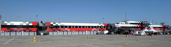 Restyling facciata palazzina box Circuito di Misano Adriatico